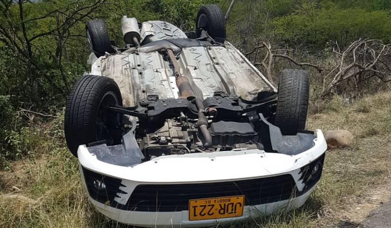 El automóvil impactado donde murió la menor.