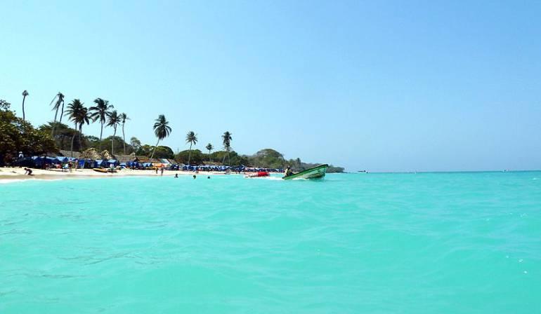 Turistas a Playa Blanca: MinAmbiente prepara resolución para controlar visita de turistas a Playa Blanca