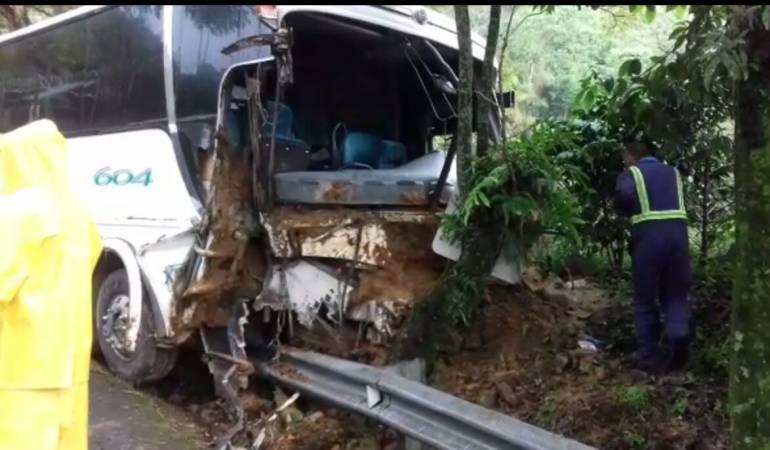 accidente de transito en Risaralda: Accidente en vías de Risaralda deja más de 20 lesionados