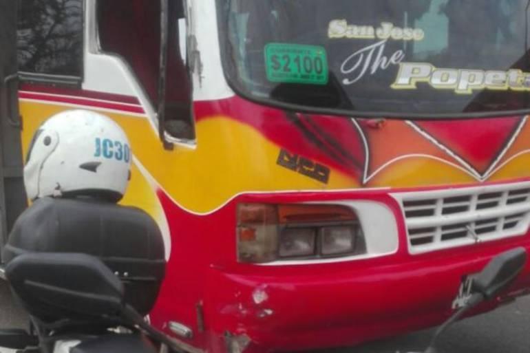 Más conductores de busetas sancionados por maniobras peligrosas en Cartagena: Más conductores de busetas sancionados por maniobras peligrosas en Cartagena