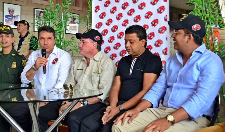 Rodolfo Molina, presidente Fundación; Francisco Ovalle, gobernador Cesar; Rafael Santos y Augusto Ramírez, alcalde Valledupar