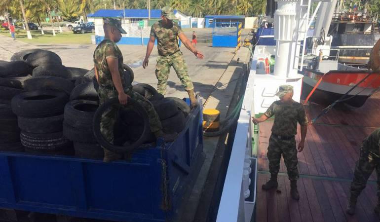 Noticias de San Andrés: Están limpiando de llantas usadas la isla de San Andrés
