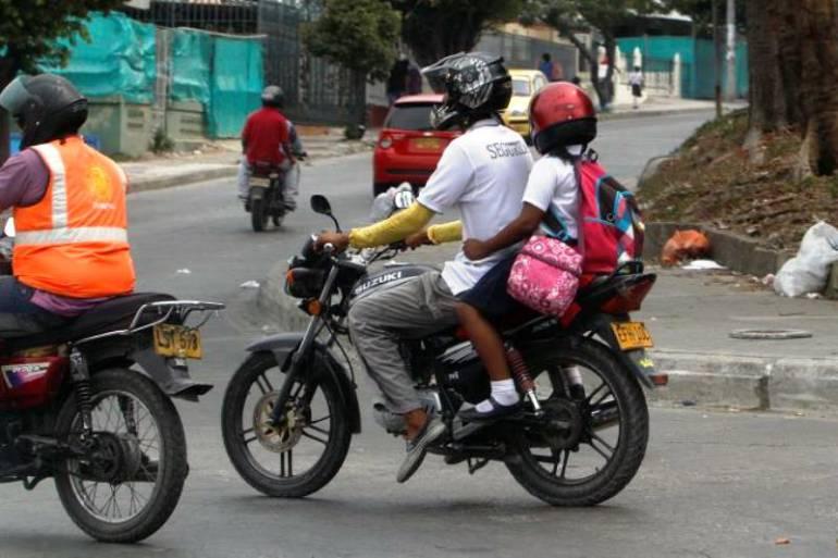 En Cartagena, prorrogan restricción de parrilleros menores de 12 años en motocicletas: En Cartagena, prorrogan restricción de parrilleros menores de 12 años en motocicletas