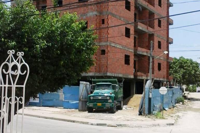 Alcalde Manolo Duque confirmó que construcción tenía documentos falsos: Alcalde Manolo Duque confirmó que construcción tenía documentos falsos
