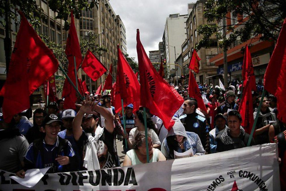 Varios sindicatos de trabajadores salieron a marchar en conmemoración del día del trabajo.