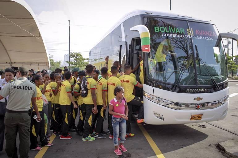 Entregan bus para los deportistas del departamento de Bolívar: Entregan bus para los deportistas del departamento de Bolívar