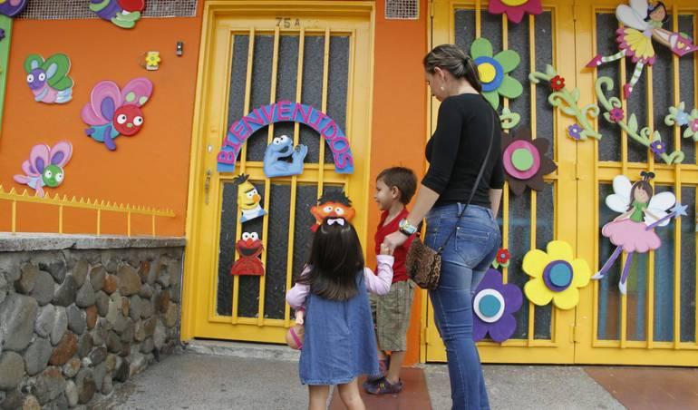 Venta de la etb con recursos de la etb se construir n 13 for Cascanueces jardin infantil bogota