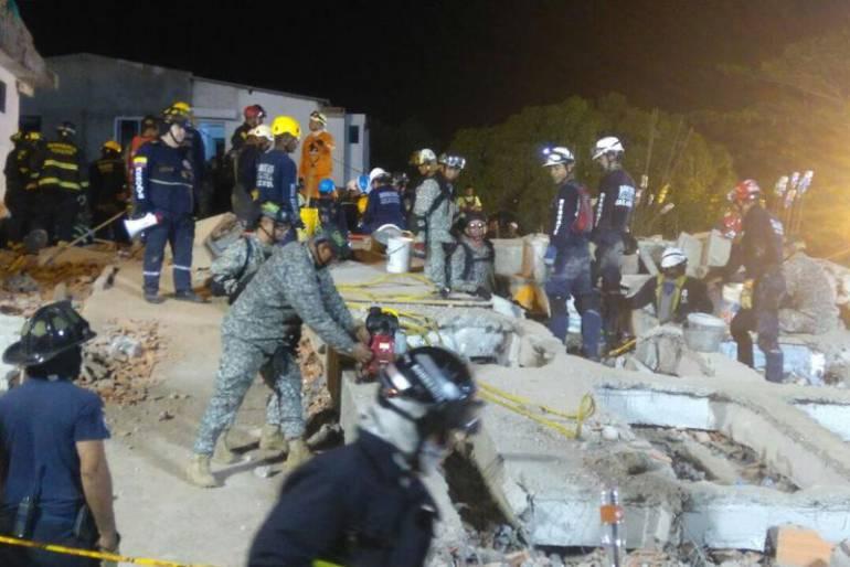 Obrero menor de edad herido en desplome de edificio en Cartagena aún no es operado: Obrero menor de edad herido en desplome de edificio en Cartagena aún no es operado