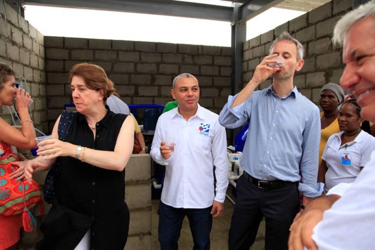 Donan planta potabilizadora de agua a Puesto de Salud de Bocachica: Donan planta potabilizadora de agua a Puesto de Salud de Bocachica