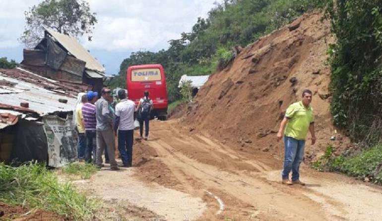 Vías del Tolima afectada por derrumbes