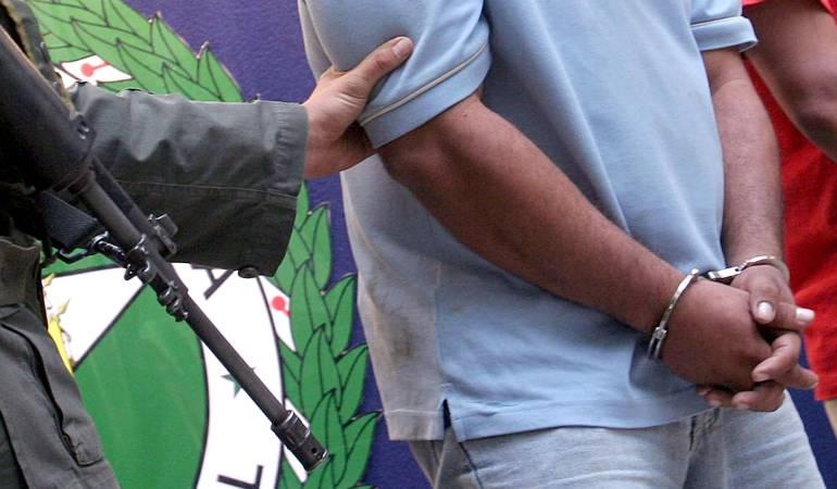 Policía detiene a 16 personas en operación contra banda criminal