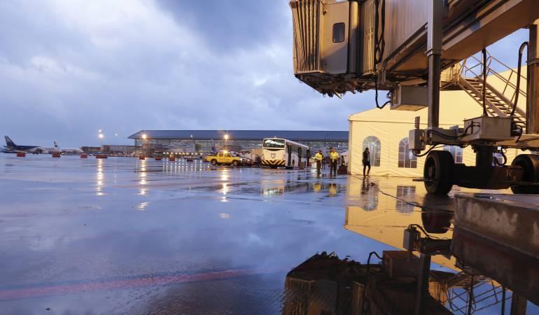 Aeropuerto de Bogotá está cerrado por ola invernal: Aeropuerto El Dorado se encuentra cerrado por lluvias