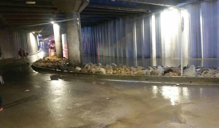 Fuertes lluvias inundaron el deprimido de la calle 94