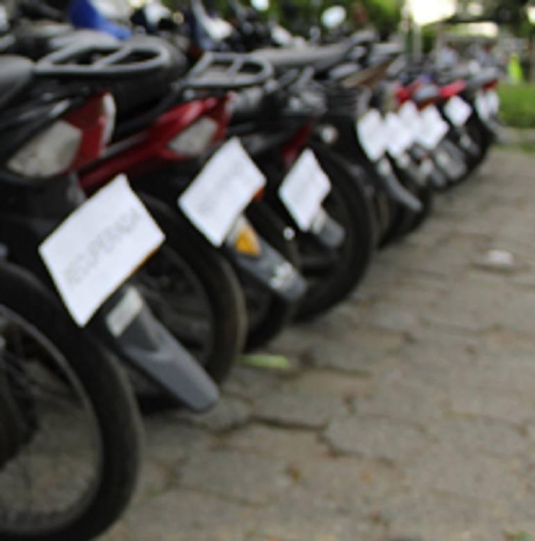 Violencia callejera en Cali: Asesinan a mujer por robarle su motocicleta