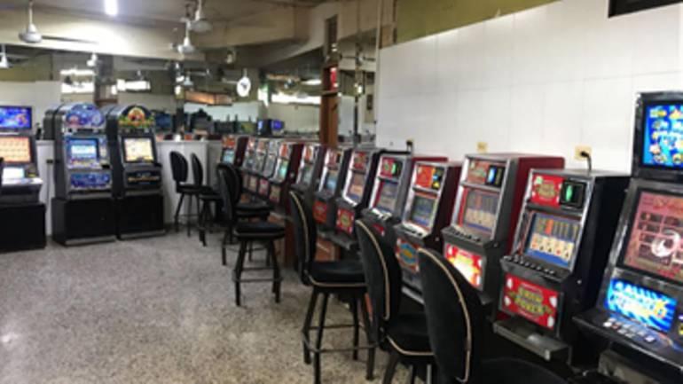 Coljuegos y Policía Nacional decomisaron 104 máquinas ilegales en Cartagena: Coljuegos y Policía Nacional decomisaron 104 máquinas ilegales en Cartagena