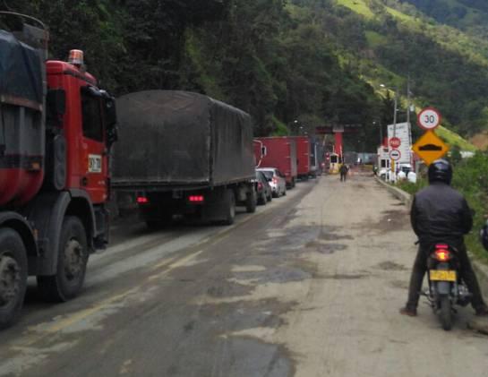 Paso restringido en la vía a La Línea: Se mantiene paso restringido en la vía a La Línea
