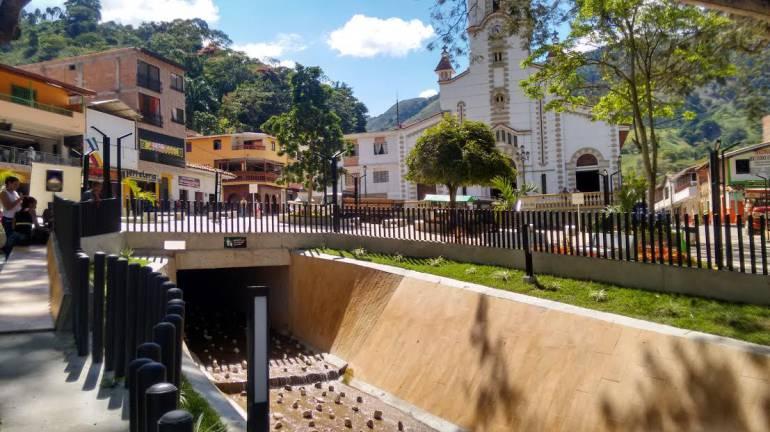 TRAGEDIA ANTIOQUIA SALGAR VÍCTIMAS CONMEMORACIÓN: Conmemoran dos años de la tragedia de la Liboriana en Salgar, Antioquia