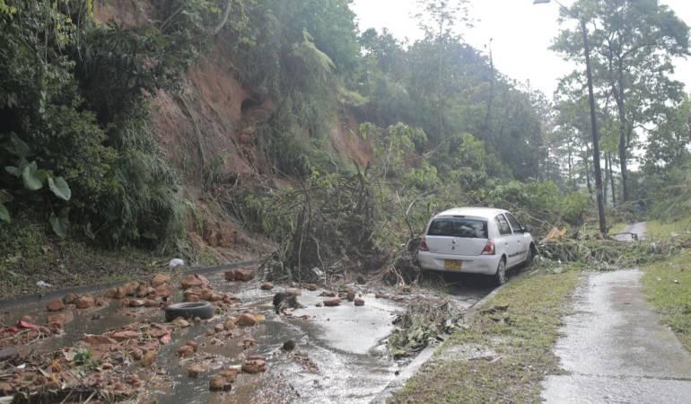 Fuerte vendaval en Pereira causó inundaciones en una docena de barrios