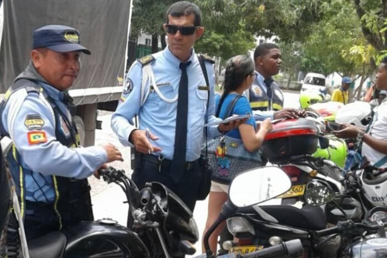 Inmovilizadas 17 motos en operativo de control en zonas bancarias de La Castellana en Cartagena: Inmovilizadas 17 motos en operativo de control en zonas bancarias de La Castellana en Cartagena