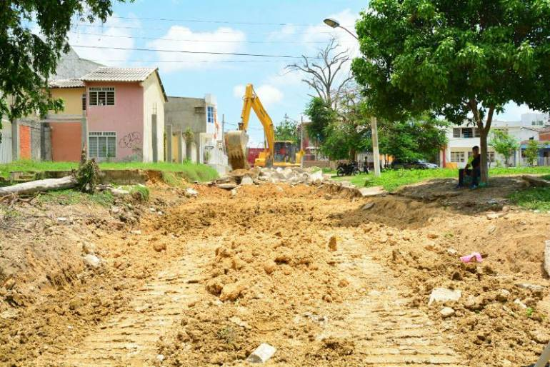 En dos meses, estaría lista la pavimentación de vía del barrio Las Gaviotas en Cartagena: En dos meses, estaría lista la pavimentación de vía del barrio Las Gaviotas en Cartagena