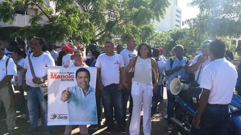 Realizan protesta en Cartagena para exigir permanencia de Manolo Duque en la alcaldía: Realizan protesta en Cartagena para exigir permanencia de Manolo Duque en la alcaldía
