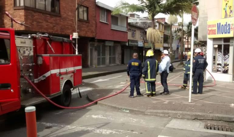 Explosión de cárcamo de energía causo emergencia en el centro de Pereira