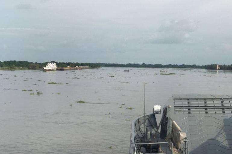 Rescatan tripulante de una embarcación que colisionó en el río Magdalena: Rescatan tripulante de una embarcación que colisionó en el río Magdalena