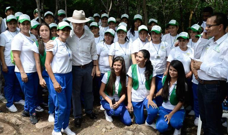 Gobierno pide a candidatos respetar participación política de FARC