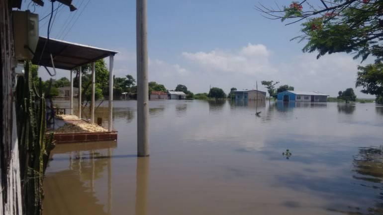 Gobernador de Bolívar recorrió municipios afectados por el invierno