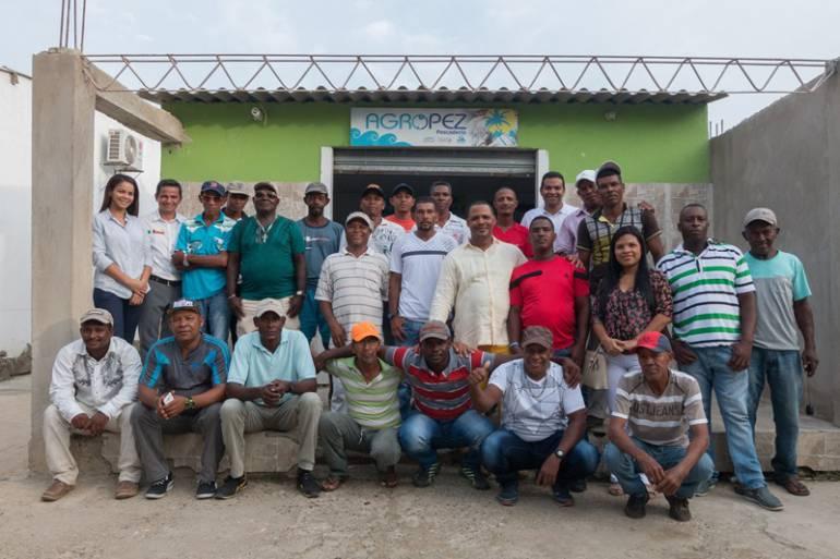 Con paneles solares, pescadores de Pasacaballos buscan sostenibilidad: Con paneles solares, pescadores de Pasacaballos buscan sostenibilidad