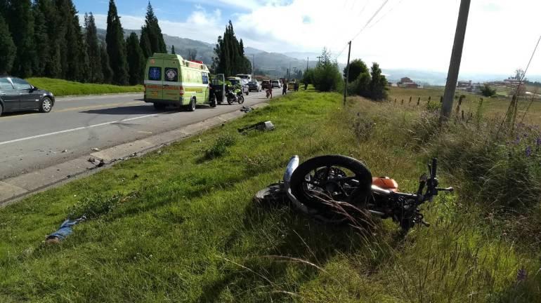 Un muerto dejó un accidente de un automóvil con un motociclista en Boyacá: Un muerto dejó un accidente de un automóvil con un motociclista en Boyacá