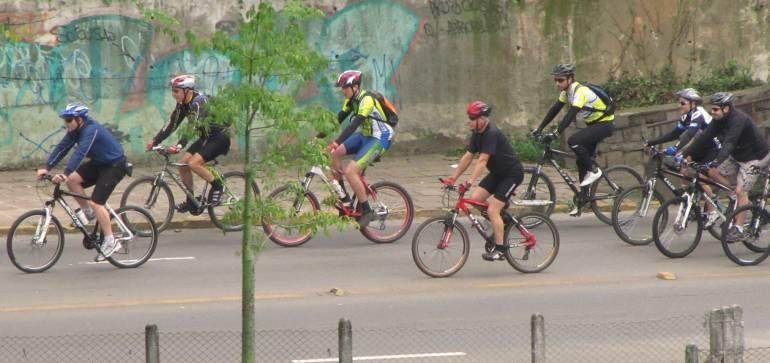 Los ciclistas son los más afectados con la contaminación: Ciclistas, los más afectados por la contaminación del aire en Bogotá