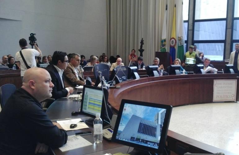 Gobernador Luis Pérez asiste al Congreso para discutir sobre Belén de Bajirá