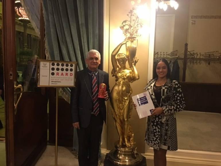 Galardonados en Rusia docentes de la USC: Docentes de Medicina de la Universidad Santiago de Cali, ganaron en Congreso Mundial de Enfermedades Raras
