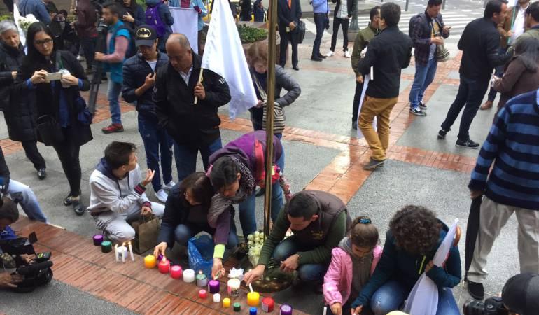 Atentado centro comercial Andino: Bogotanos se concentran en el Andino para rechazar atentado terrorista del sábado