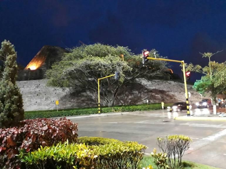Alumbrado público culmina iluminación de rotonda de San Felipe, en Cartagena: Alumbrado público culmina iluminación de rotonda de San Felipe, en Cartagena