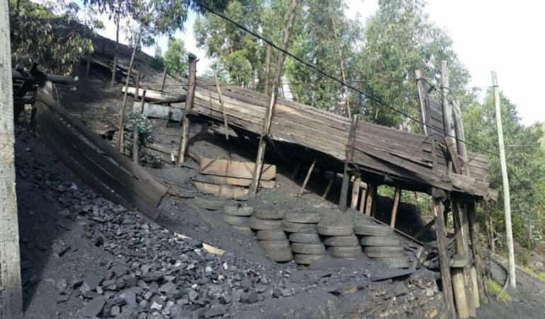 Desplome de una mina de carbón dejó dos trabajadores gravemente heridos en Tunja, Boyacá: Desplome de una mina de carbón dejó dos trabajadores gravemente heridos en Tunja, Boyacá