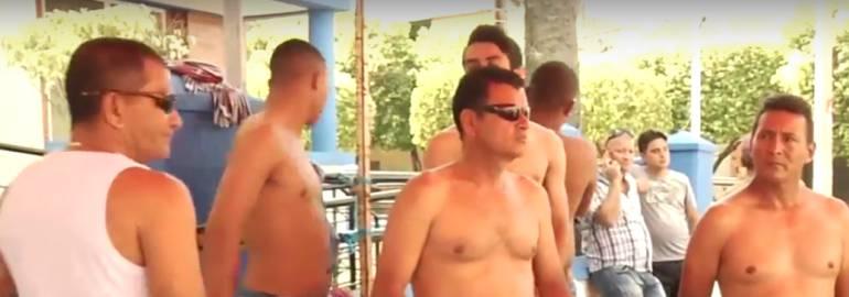 PROTESTA, DESNUDAR , QUITARSE LA ROPA, AMARRAR: Trabajadores de Navelena se desnudan