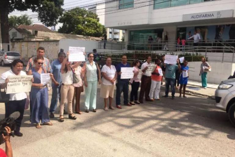 Padres de familia claman atención para sus hijos con discapacidad mental en Cartagena: Padres de familia claman atención para sus hijos con discapacidad mental en Cartagena