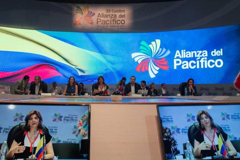 Cumbre de la Alianza del Pacífico: Preocupa enormemente la crisis de Venezuela: Canciller Holguín