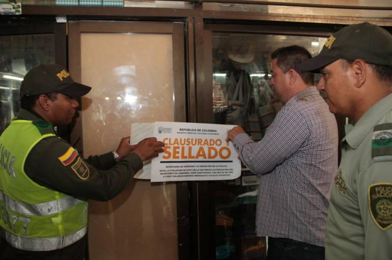 Cerrados cuatro negocios por no pago de impuestos en Santa Marta. /FOTO ALCALDÍA DE SANTA MARTA