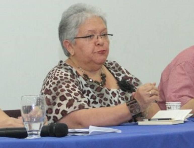 Imelda Daza durante foro de socialización del acuerdo de paz en Santa Marta.