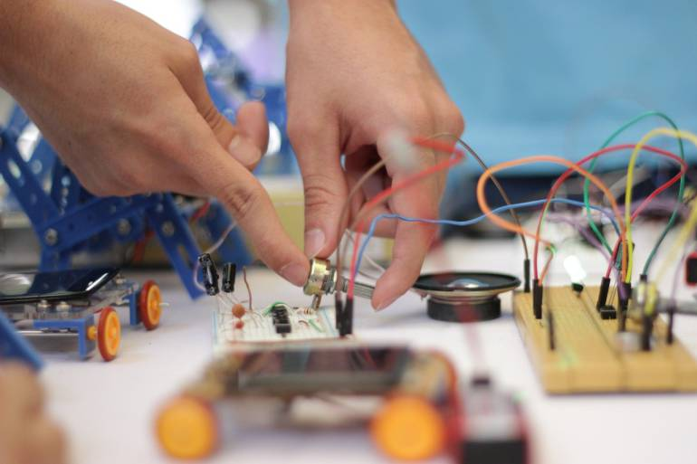 552 personas se inscribieron a la Tecnología en Desarrollo de Software