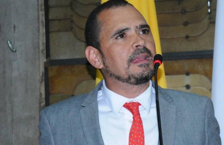 Contralor General de Antioquia se presentó voluntariamente ante la Fiscalía en Medellín