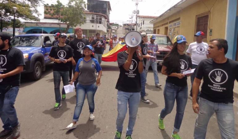 Estudiantes se toman municipios del Táchira