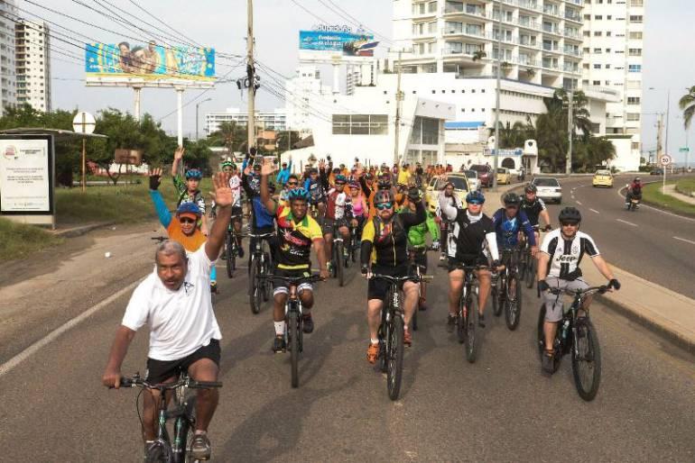 """Con éxito se realizó el tercer ciclopaseo en """"Bike por la Fantástica"""" en Cartagena"""