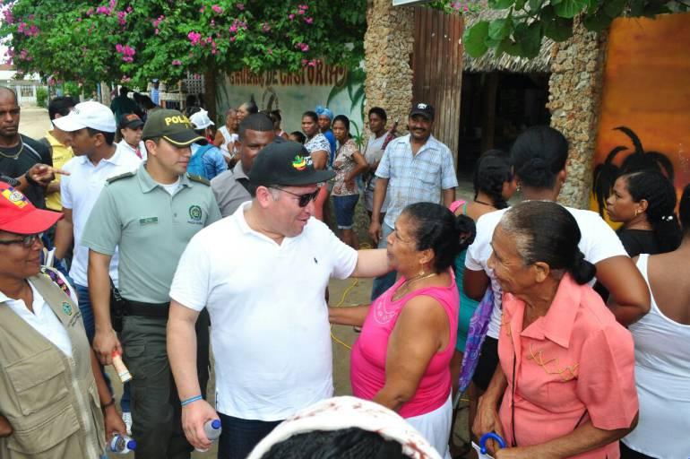 Alcaldía de Cartagena lleva su oferta institucional al corregimiento de Barú: Alcaldía de Cartagena lleva su oferta institucional al corregimiento de Barú