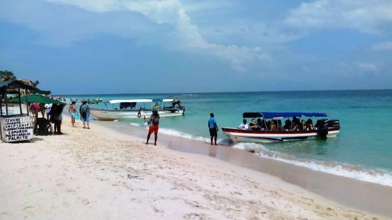 Turistas de Playa Blanca consideran que todas las medidas deben ser concertadas: Turistas de Playa Blanca consideran que todas las medidas deben ser concertadas