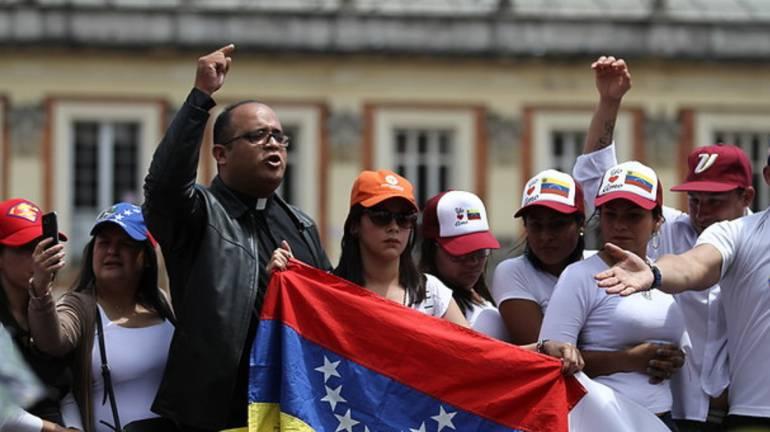 Votacion de consulta venezolana en Bogotá: Cerca de 30.000 venezolanos participaron en la consulta popular en Bogotá