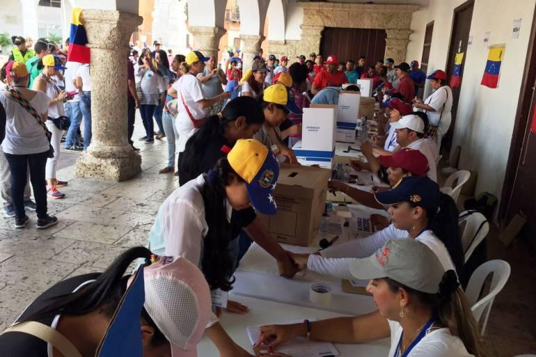 3.584 venezolanos votaron consulta en Cartagena: 3.584 venezolanos votaron consulta en Cartagena